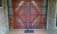 Expanding-Gates-Large-Door